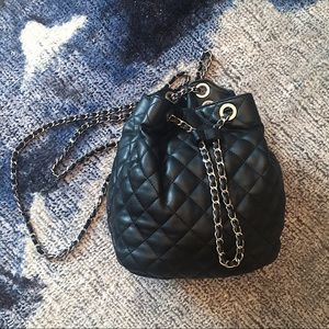 Zara Quilted Chain Backpack 🖤☁️